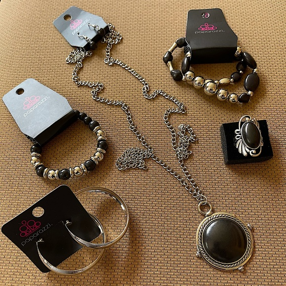 5pc Black and Silver Jewelry Set